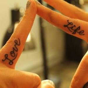 Frase: Life – Love