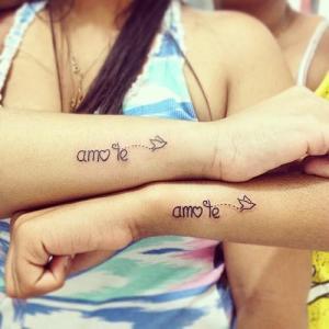 Frase: Amo te y Ave volando
