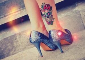 Calavera con Flores Rosas