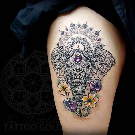 Elefante y Flores by Coen Mitchell