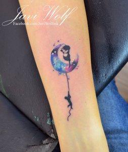 Luna con siluetas estilo Acuarelas por Javi Wolf