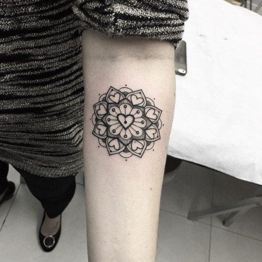 Mandala estilo corazón