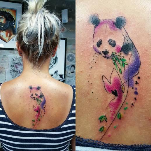 Oso Panda comiendo Bambú por Simona Blanar
