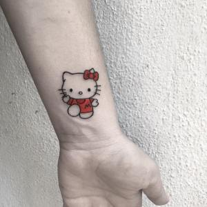 Hello Kitty por Özge Canoğlu