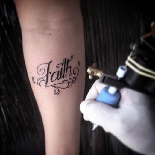 Frase: Faith