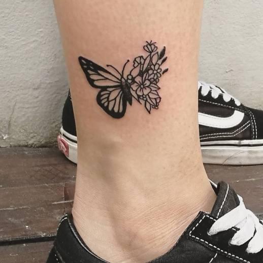 Mariposa con Flores