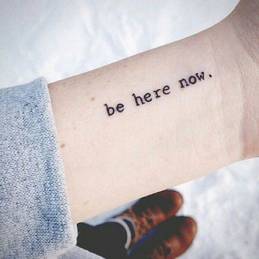Frase: Be Here Now