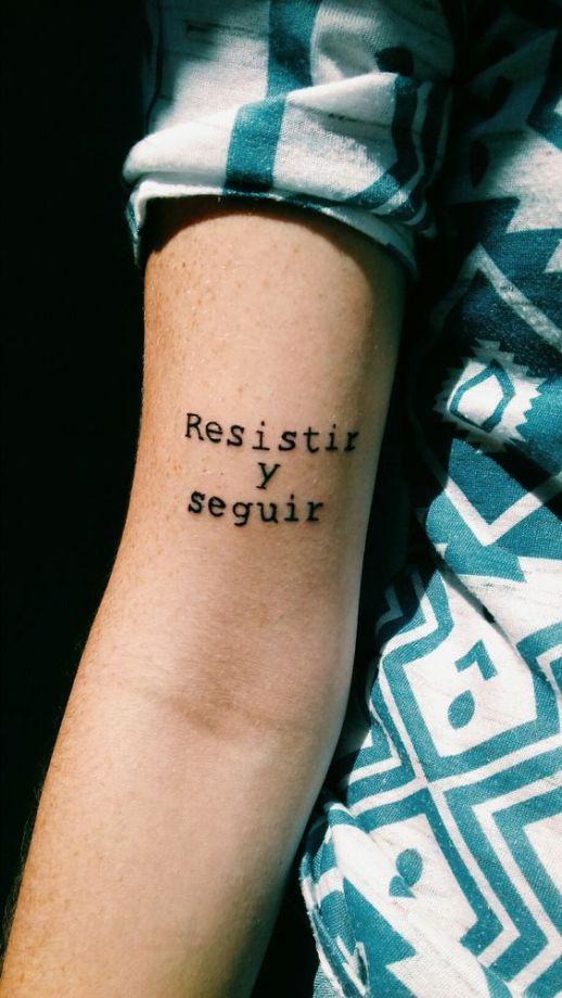 Frase: Resistir y Seguir