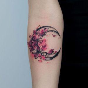 Luna y flores de cerezo
