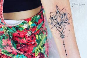Flor de loto por Yasmin Coiado