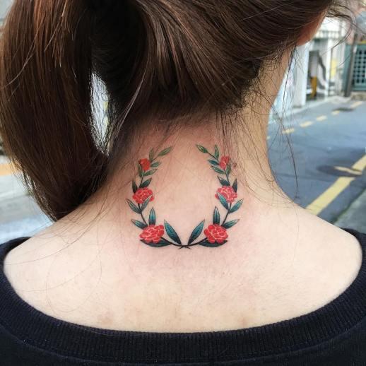 Corona de rosas por Zihee Tattoo