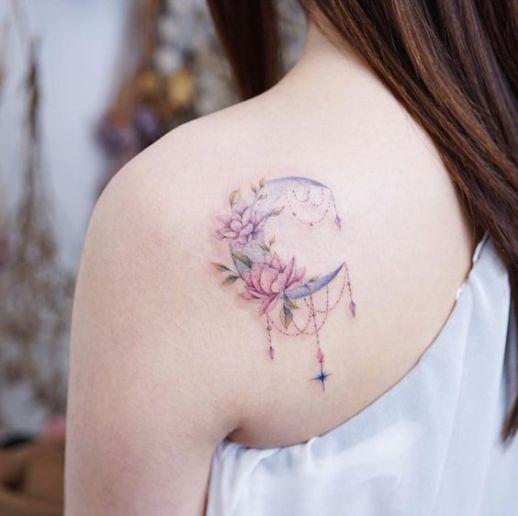 Luna de flores por Banul 타투이스트 바늘