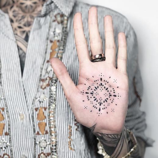 Mandala estilo punteado por Blum