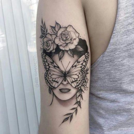 Mujer cara de mariposa