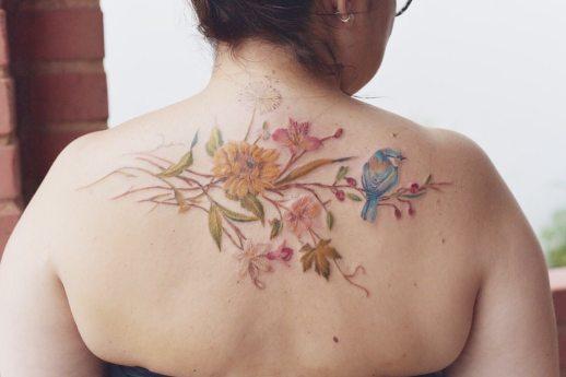 Flores y ave por Luiza Oliveira
