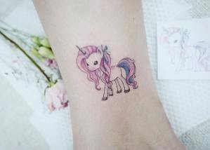 Unicornio por Banul 타투이스트 바늘