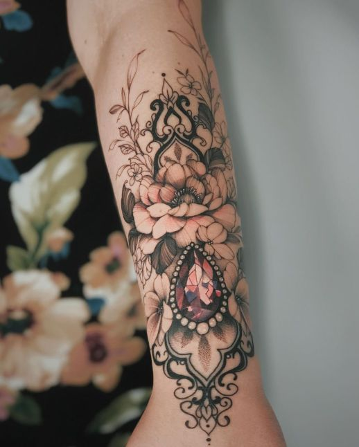 Brazalete de Flores con Diamante Rosa por Valery Tattoo