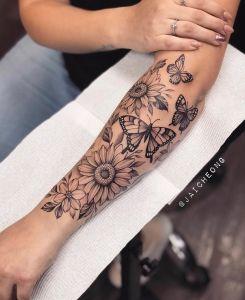Flores de Girasol y Mariposas por Jai Cheong