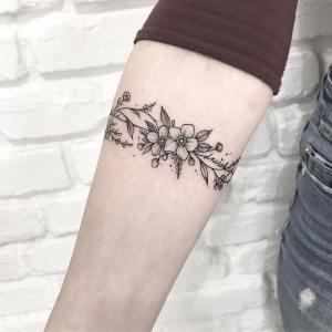 Enredadera de Flores por Terryemi Tattoo
