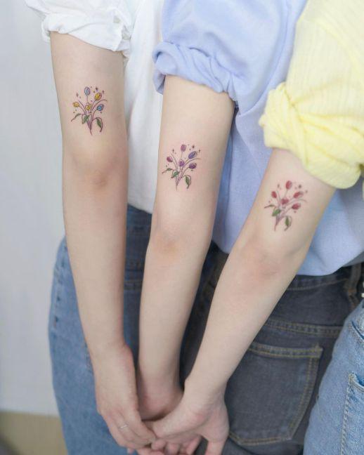 Flores de Tulipán por Heim Tattoo