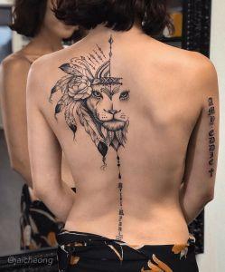 León con plumas por Jai Cheong