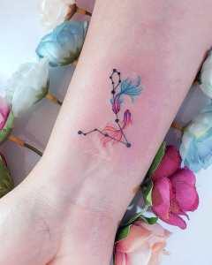 Constelación Piscis, Signo del Zodiaco por Alynana Tattoos