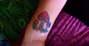 shrooms tattoo