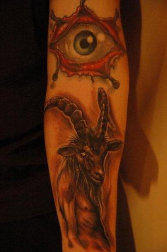 par de tatuajes brazo