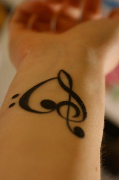 Tattoo Corazón Musical