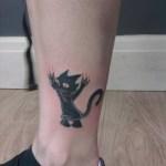 tatuaje Simpson pierna