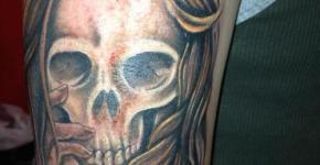 Tatuaje calavera mujer