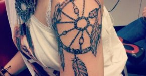 tatuaje atrapasueños mujer