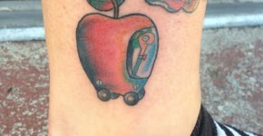 Tatuaje manzana