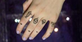 small tattoos girls