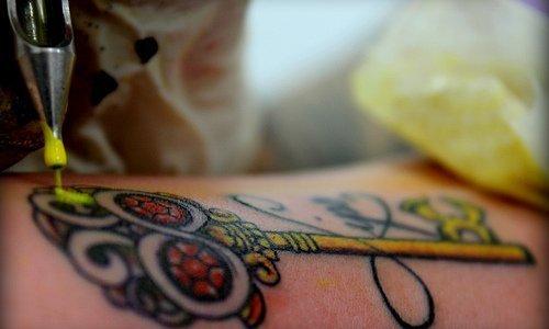 Tatuaje llave de calavera