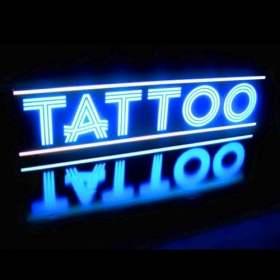 Tatuaje caja neon