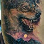 Tatuaje de lobo por Domantas Parvainis.