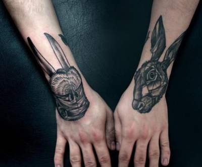 Hand tattoos by peter aurisch