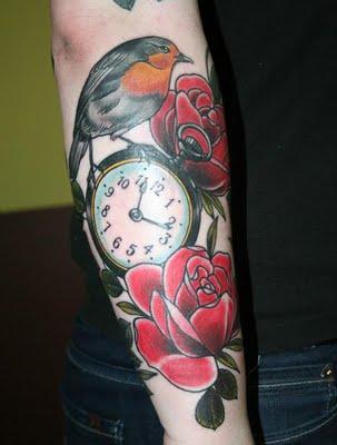 Tatuaje De Un Gorrión Sobre Un Reloj De Bolsillo Tatuajesxd
