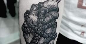 Tatuaje corazón en antebrazo