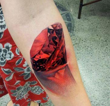 Ruby rojo tatuaje