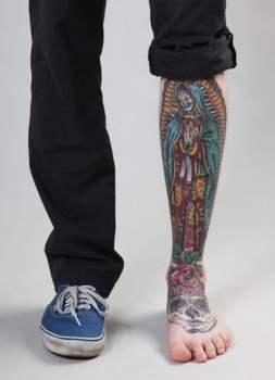Virgin Maria tattoo on leg - Tatuajesxd