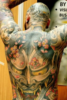 Tatuaje demonio en la espalda