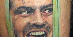 The Shining, tatuaje de la escena más famosa de la película.