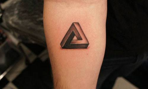 Tatuaje triángulo