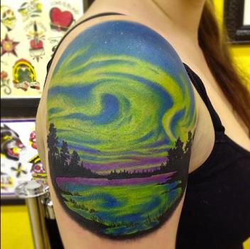 Tatuaje aurora boreal