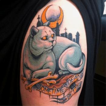 Tatuaje de gato con texto