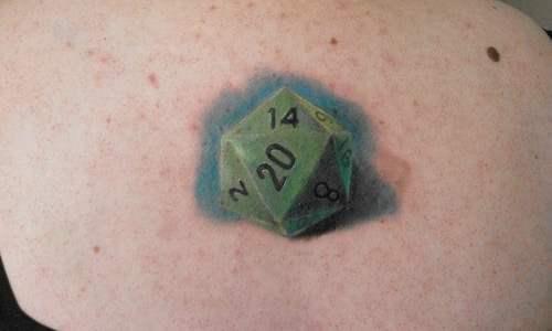 Tatuaje de Dado 20 caras
