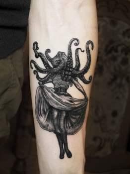 Tatuaje de mujer pulpo