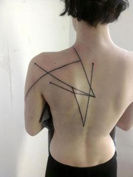 Tatuaje líneas
